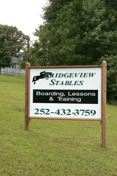 BridgeView Stables